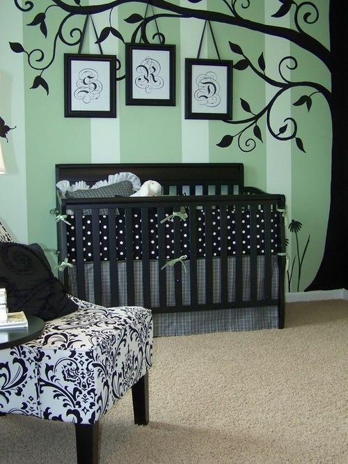 卧室竖纹条壁纸墙绘大树