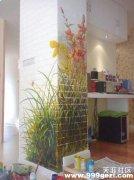 砖墙上绘制墙体彩绘花卉图案